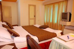 Hotel Gurupriya