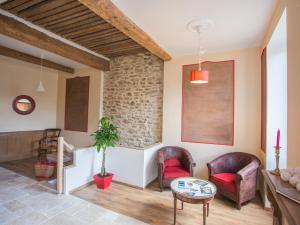 A seating area at Apartments La Comédie de Pézenas