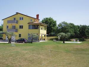 Villanova Apartments