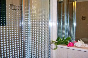 A bathroom at Melina Apartment
