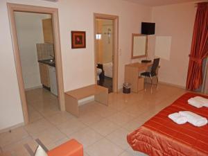 Μια τηλεόραση ή/και κέντρο ψυχαγωγίας στο Eleana Boutique Hotel