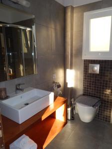 A bathroom at Epiphany Apartments