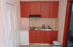 A kitchen or kitchenette at George Studios