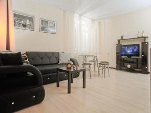 Apartment Voroshilova 27