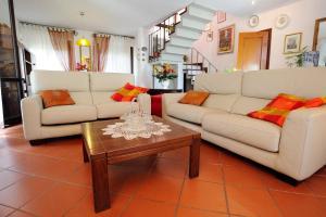 A seating area at Villa La Certosa