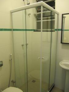 A bathroom at Alex Rio Flats Studio Beach View