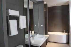 MeiHua Hotel HaiDong Road Store