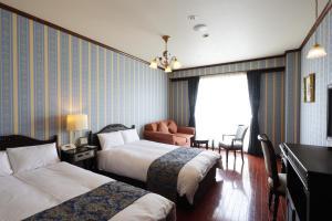 Old England Dogo Yamanote Hotel