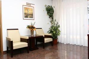 A seating area at Apartmani Marbis