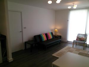 Apartment 27 Lea House