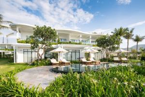 Cam Ranh Riviera Beach Resort & Spa