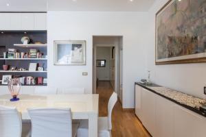 Giuliana Apartment