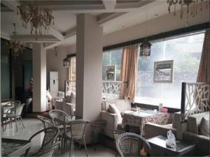Lanxiang Business Inn