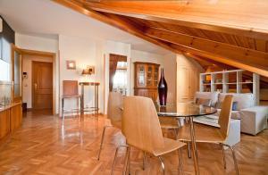 Apartment Latina VII