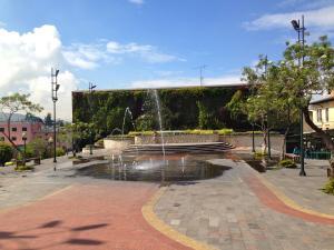 Sunshine Quito Hostel