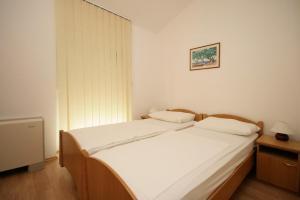 One-Bedroom Apartment in Okrug Gornji VI