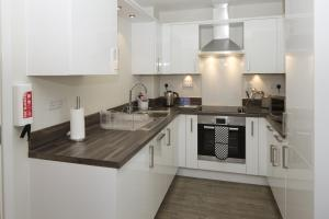 Beneficial House Apartments, Bracknell