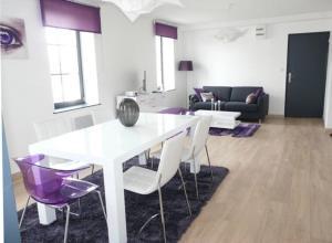 Ruang makan di aparthotel