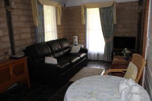 Elinike Guest Cottages