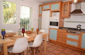 A kitchen or kitchenette at Villa Samar Altea