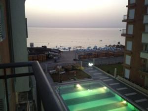 A view of the pool at Le Monte Carlo or nearby