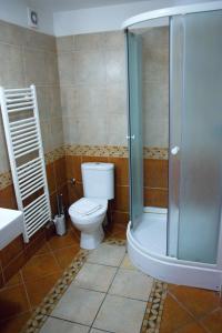 A bathroom at Metropolitan Studios