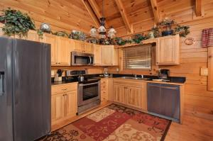 A kitchen or kitchenette at Enchanted Forest