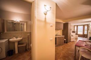 Vannas istaba naktsmītnē Appartamento I Fraticelli