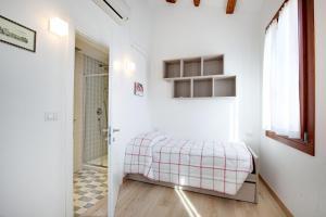 S. Marcuola Apartment