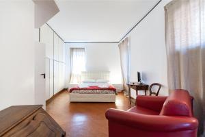 De Renzi House