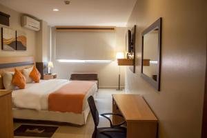 (Hotel Corona Real)