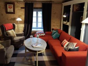 A seating area at Apartment La Tour