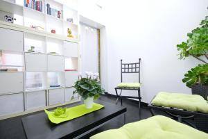 2 Bedroom Apartment with Garden