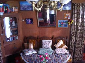 Houseboat Holiday Home