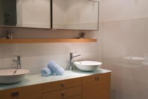 Salle de bains dans l'établissement Demeure des Girondins