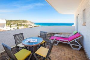A balcony or terrace at Seaview Apartment O