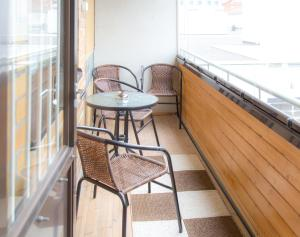 A balcony or terrace at Apartments Rovakatu