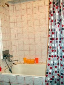 Vonios kambarys apgyvendinimo įstaigoje Ruta