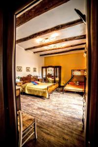 San Gennaro Bed