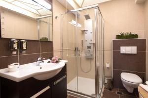 Salle de bains dans l'établissement Leste Luxury Homes