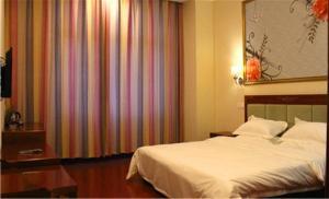 Doushi 118 Chain Hotel (Tianjin Yujiabao )