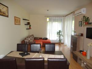 Aranypart Apartman