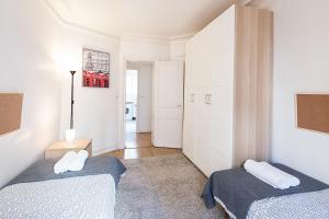 Two-Bedroom Apartment Rue de Lourmel