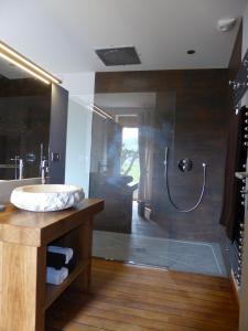 Een badkamer bij Gite Stone & Spa