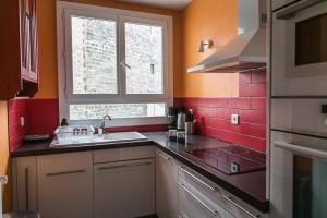 Two-Bedroom Apartment Rue de la Croix Nivert
