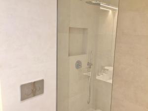 Ein Badezimmer in der Unterkunft Riviera home - Dalpozzo Lux