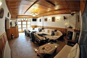 Trojka Hotel És Panzió