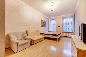 Longo Apartment Grazhdanskaya 8