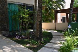 Laguna Studios Puerto Aventuras by KVR