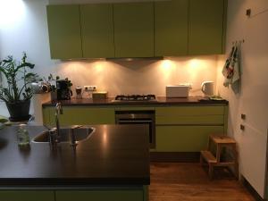A kitchen or kitchenette at Studio Zaagmolen